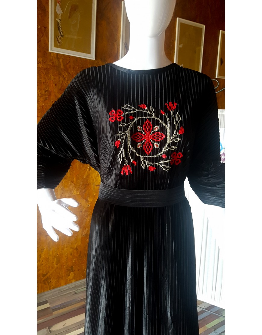 SpiralFlowers Black Long Dress