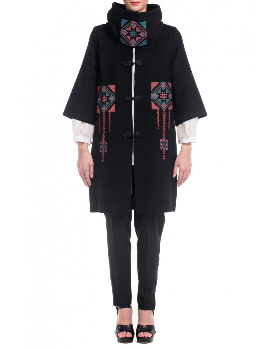 Blossom Eye Coat in Black