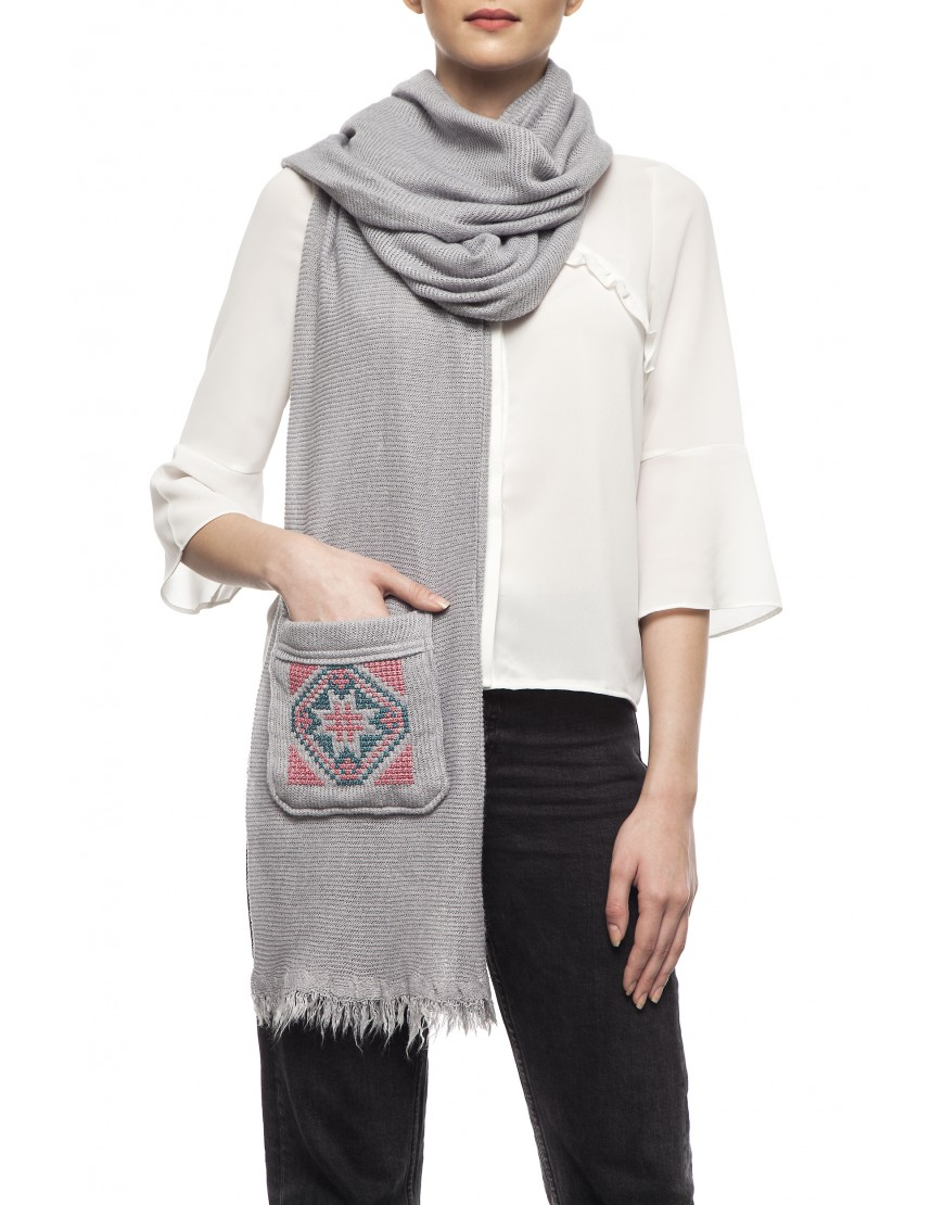 Blossom Eye Grey Winter Scarf with Pocket