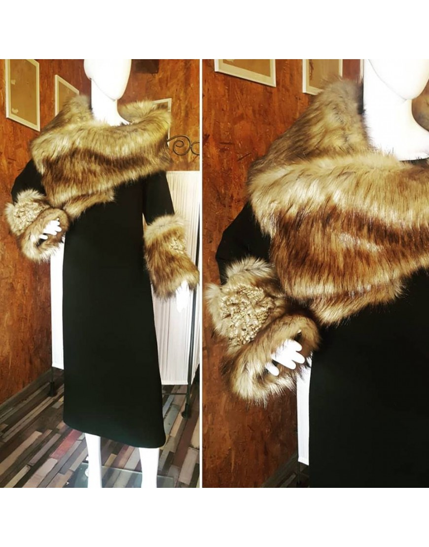 Wool Black Dress with Fur Collar