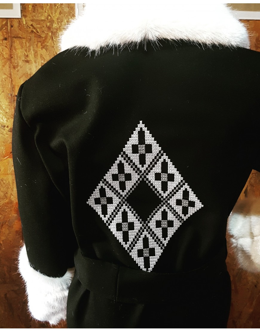 Diamond Black Wool Coat with White Fur